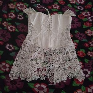 Overbust White corset w/ lace panels [FINAL PRICE]